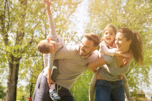 12 семейных ритуалов, которые учат ответственности и доброте