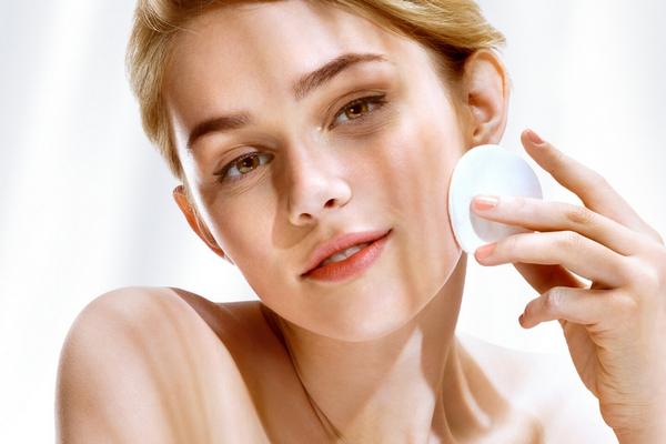 Как защитить кожу от солнечной пигментации?