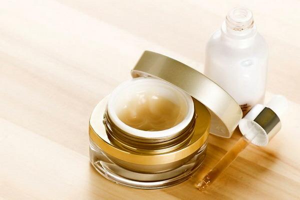 Что полезнее для кожи — сыворотка или крем?