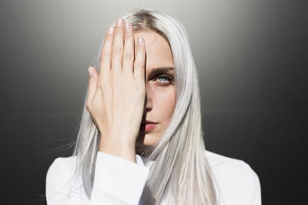 Макияж под цвет волос: какие оттенки вам подходят, а о каких лучше забыть
