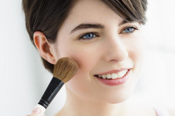 Как наносить румяна по типу лица: пошаговая инструкция