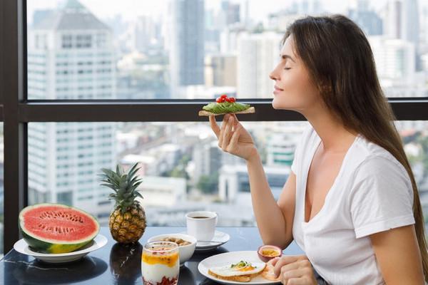 Сигналы тела: о чем говорит желание съесть сладкое, острое или соленое