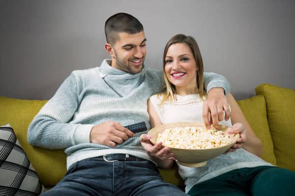 Как смотреть футбол вместе с мужем: 4 интересных способа