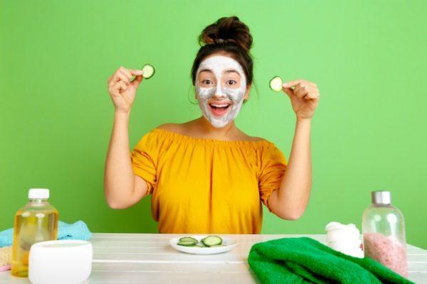 5 домашних масок для лица, которые уберут морщины и черные точки