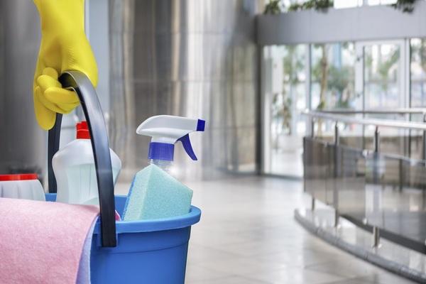 Как быстро убраться дома: 7 лайфхаков для уставшей мамы