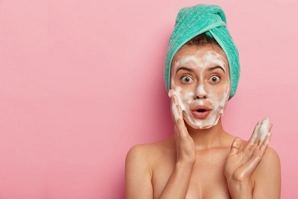 3 способа улучшить состояние кожи во время сна