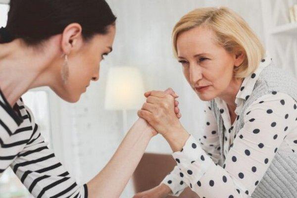 Свекровь и невестка: топ-5 ошибок в отношениях