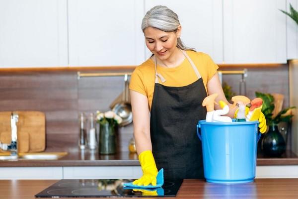 Проверенные лайфхаки по уборке квартиры, которые помогут сэкономить целый выходной