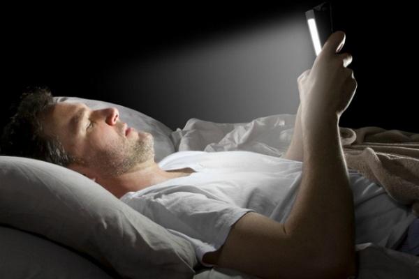 Пять ошибок перед сном, которые вызывают бессонницу