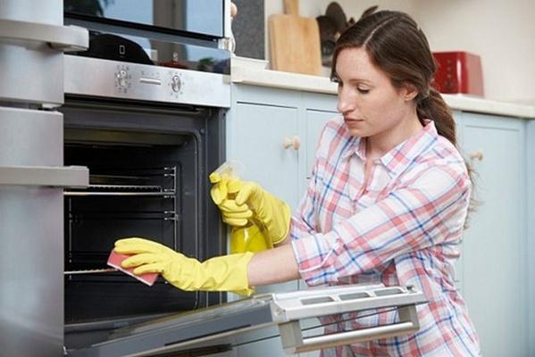 Как почистить духовку между стеклами