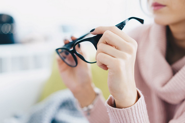 О чем говорит внезапная потеря или резкое ухудшение зрения
