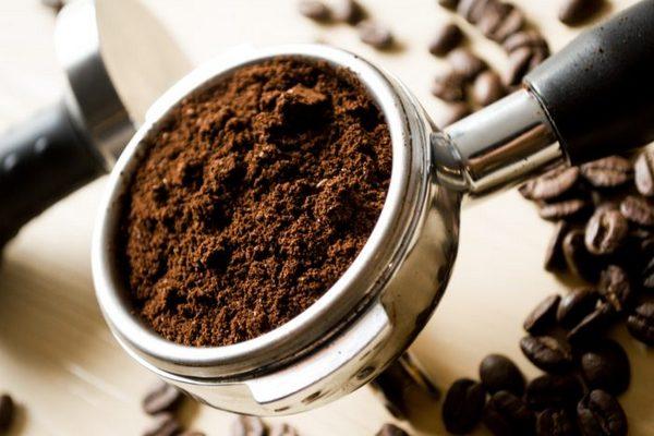 5 лайфхаков с кофе в быту
